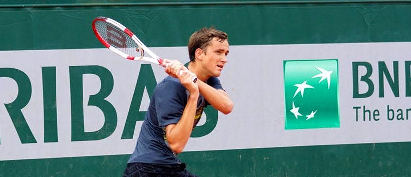 Обзоры двух матчей Даниила Медведева на турнире в Бордо
