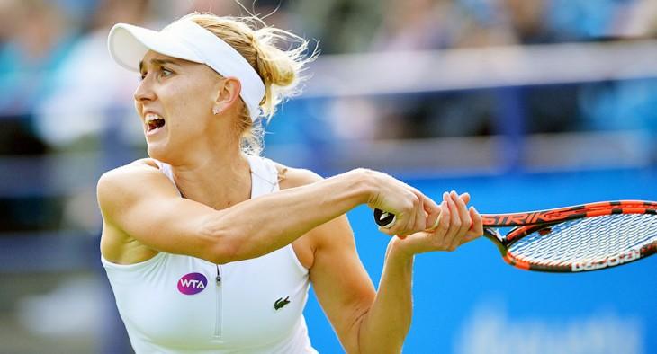 Елена Веснина вышла в третий круг турнира в Истбурне