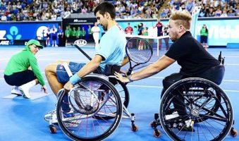 Джокович сыграл в теннис на инвалидных колясках с паралимпийским чемпионом