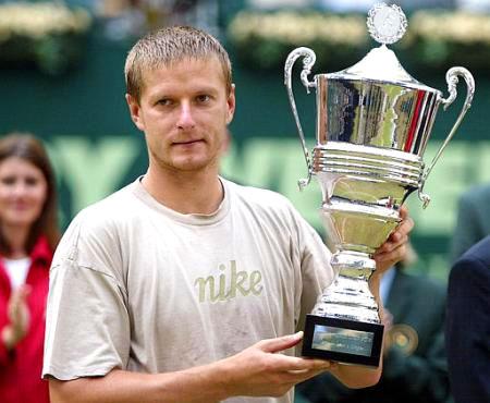 Евгений Кафельников выиграл турнир в 2002 году